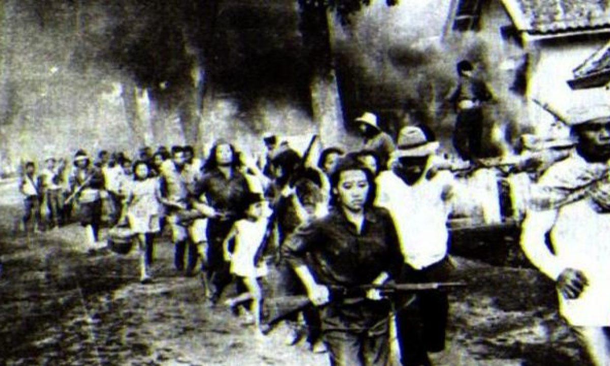12 Oktober 1945: Laskar Wanita Indonesia berdiri di Bandung