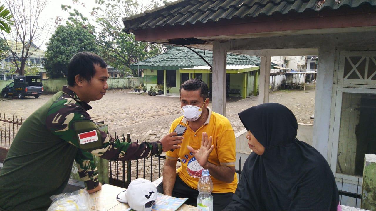 Elshinta Peduli membagikan masker kepada warga korban kabut Asap
