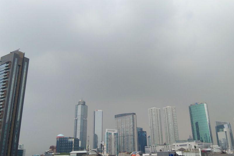 BMKG: Waspadai hujan disertai petir di Jaktim dan Jaksel