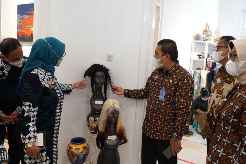 Kanwil Kumham DIY pamerkan seratusan karya kerajinan warga binaan