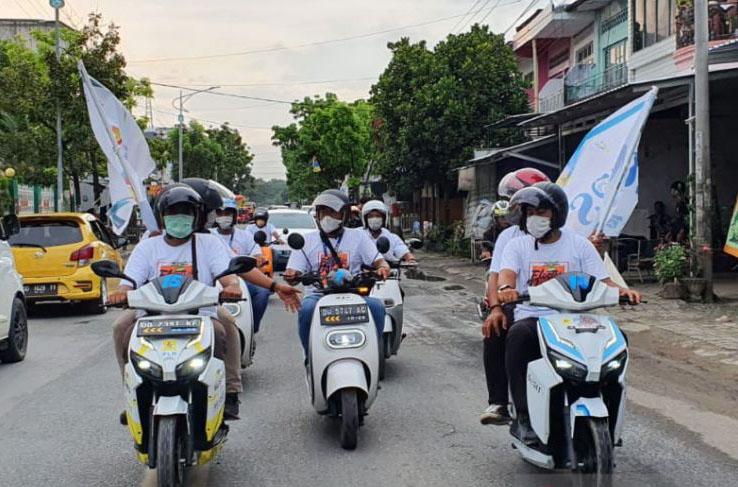 Bupati Sindrap resmikan komunitas sepeda motor listrik