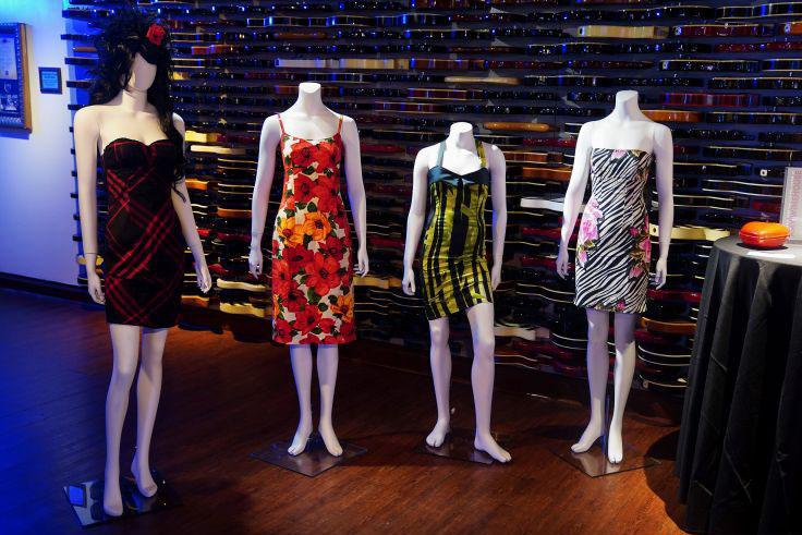 Daftar barang Amy Winehouse yang dilelang untuk umum