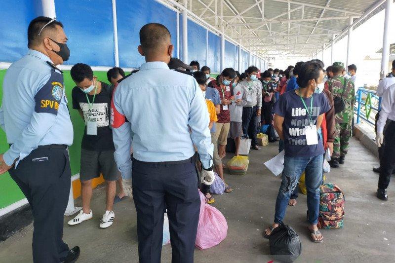 14 TKI deportasi dari Malaysia positif COVID-19