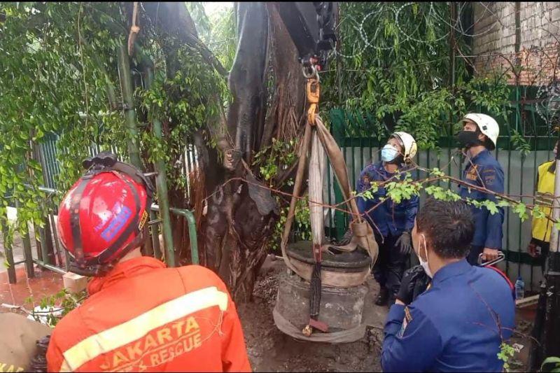 Gulkarmat Jaktim evakuasi batu peninggalan sejarah tahun 1700