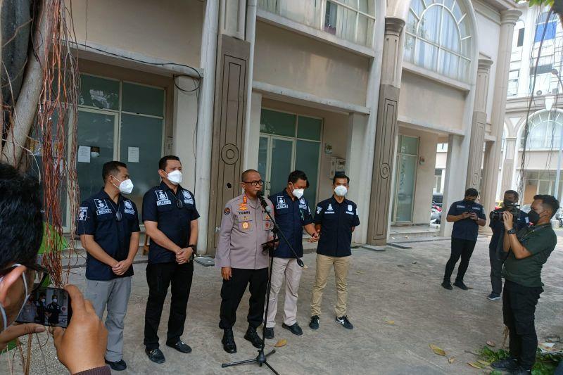 Polda Metro Jaya gerebek tempat usaha pinjol ilegal di Tangerang