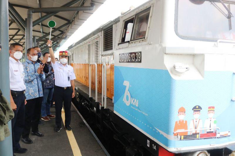 KAI dan Semen Indonesia Group luncurkan KA Angkutan Semen 400 Ton