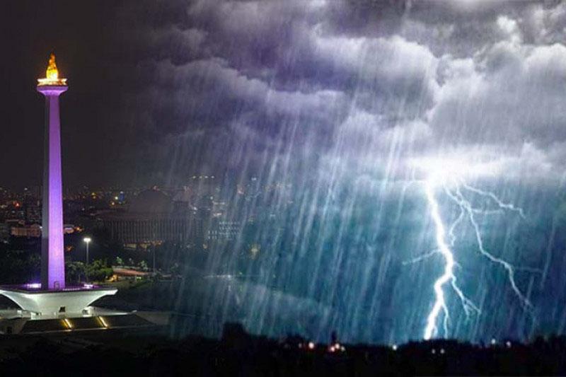 Beberapa wilayah Jakarta diguyur hujan Selasa