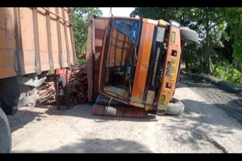 Jasamarga: Truk terguling di Tol Purbaleunyi dan selesai ditangani