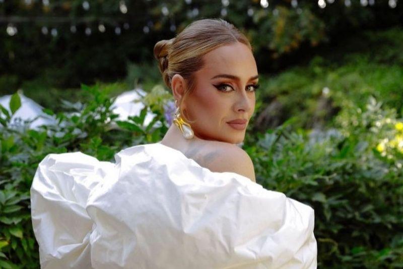 Adele sebut album barunya adalah surat untuk sang anak
