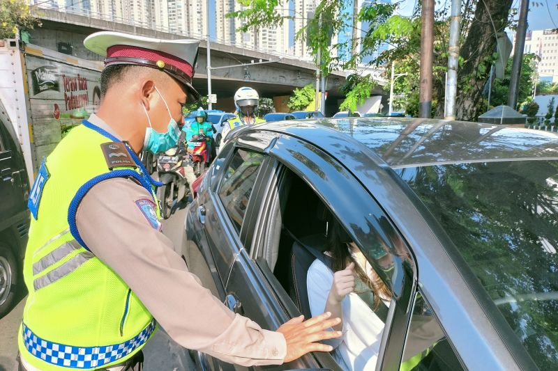 Polres Jakarta Barat sosialisasi ganjil-genap di dua lokasi