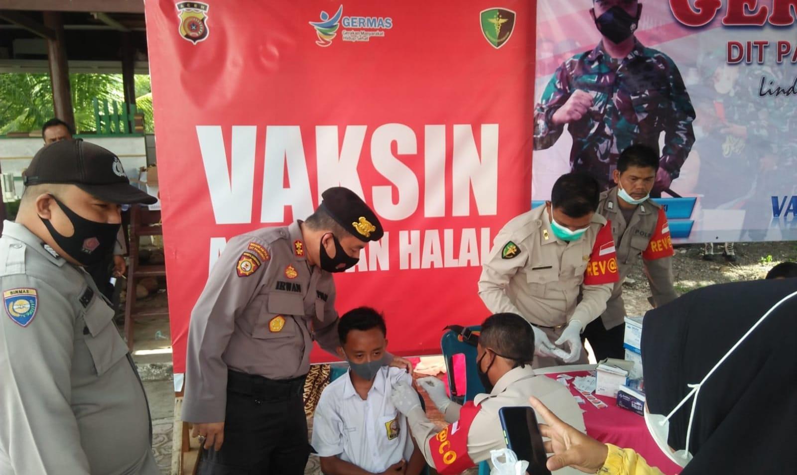 Ditpamobvit Polda Aceh gelar `Vaksinasi Saweu Gampong`