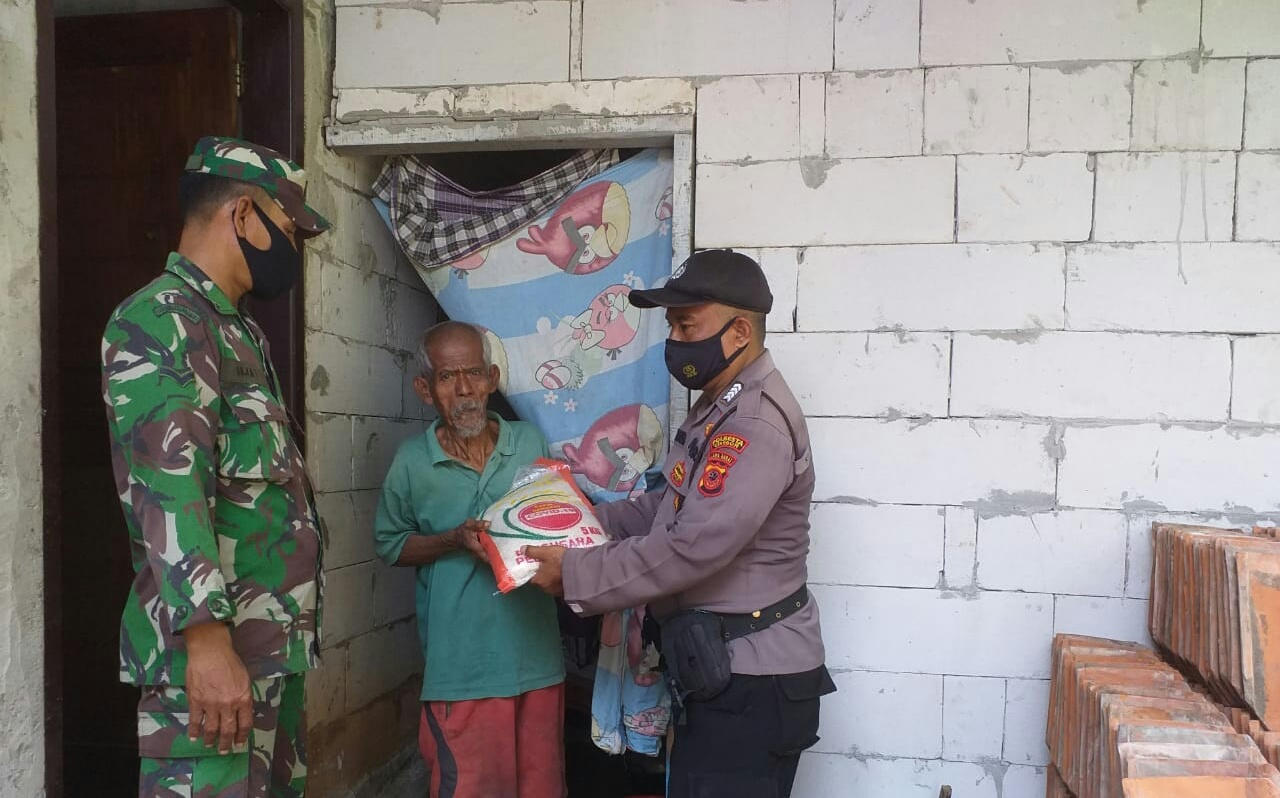 Bantuan 25 Polresta Cirebon menyasar warga terdampak PPKM