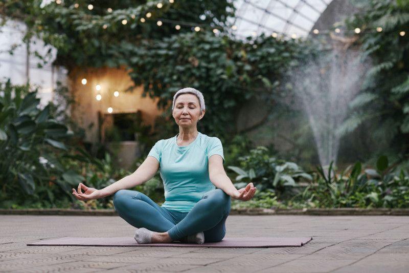 Mengenal `toxic positivity` dari sudut pandang `mindfulness`