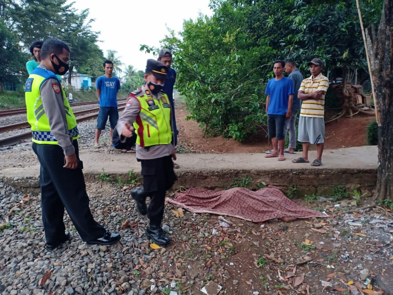 Buruh harian tewas tersambar kereta di Purwakarta