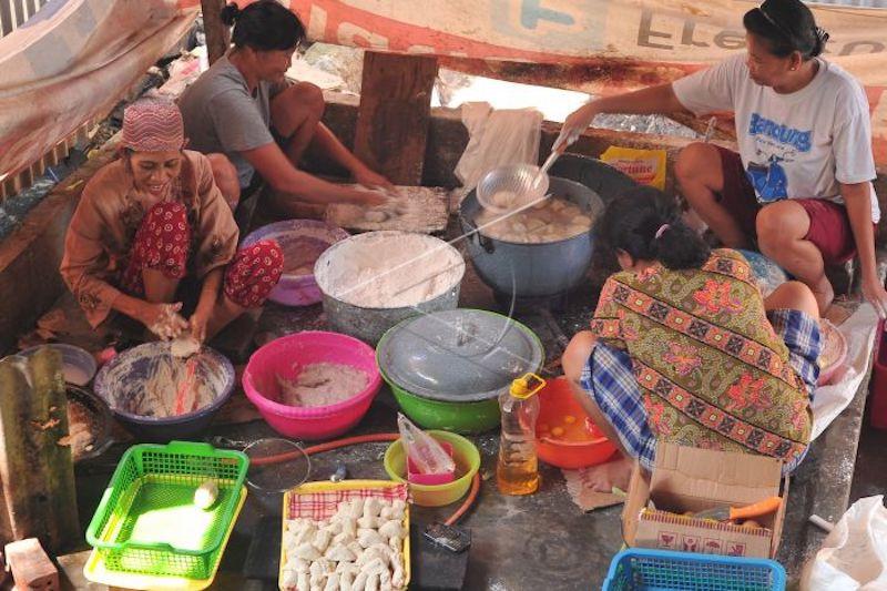 PT Pos Indonesia beri tarif khusus pengiriman pempek
