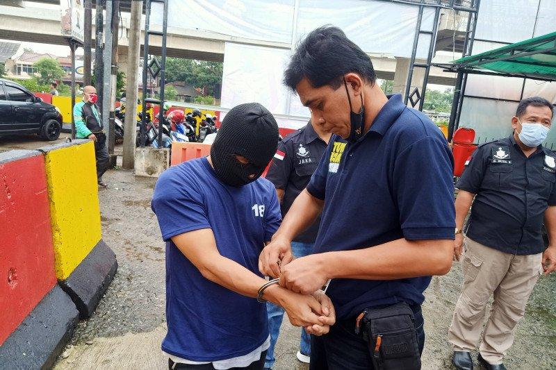 Petugas gabungan ringkus pelaku eksibisionis di Stasiun Sudirman