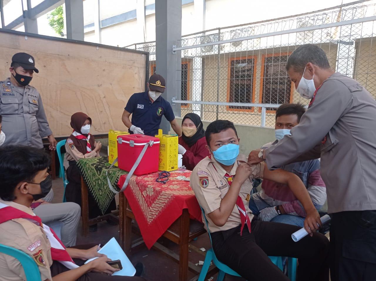 Gandeng Polres Rembang, Ika Smada 96 selenggarakan vaksinasi massal