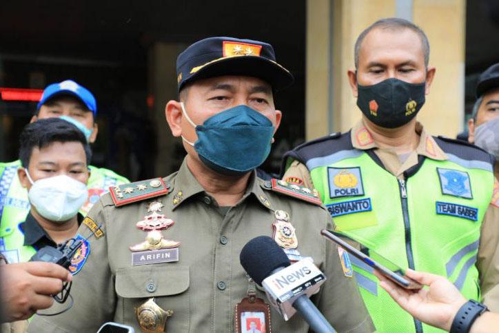 Satpol PP DKI tindak lima kafe pelanggar prokes di Jakarta Utara
