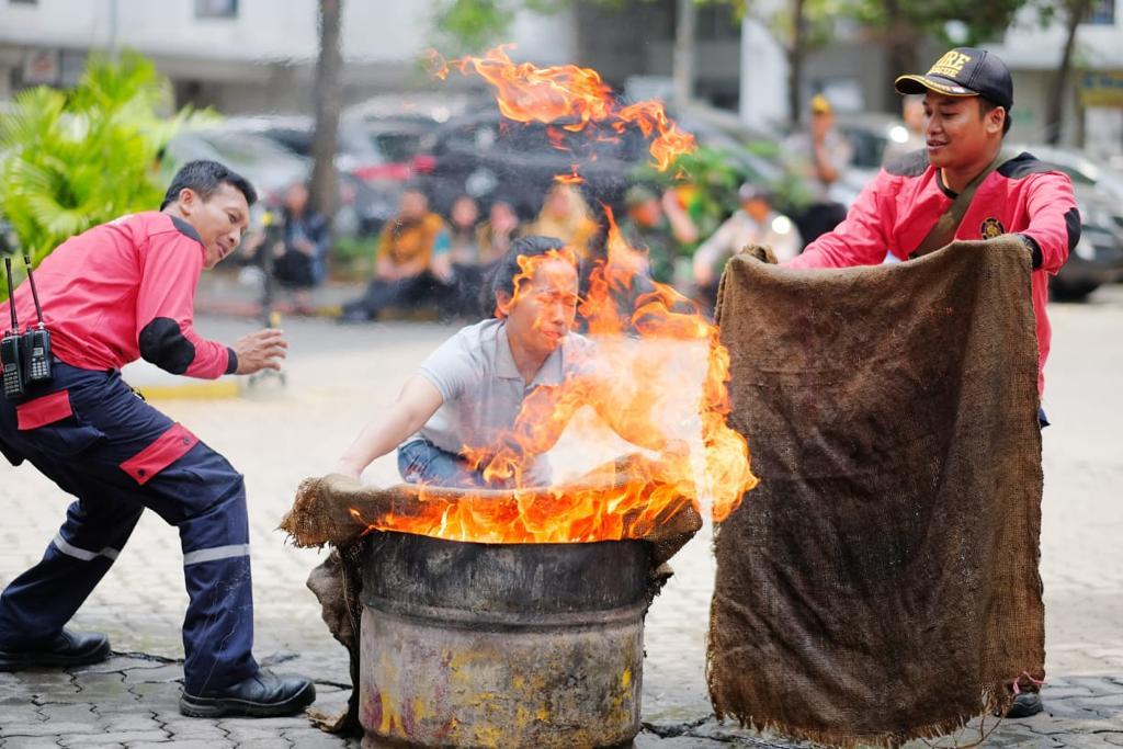 Terapkan standar keamanan, Kalibata City gelar simulasi antisipasi kebakaran