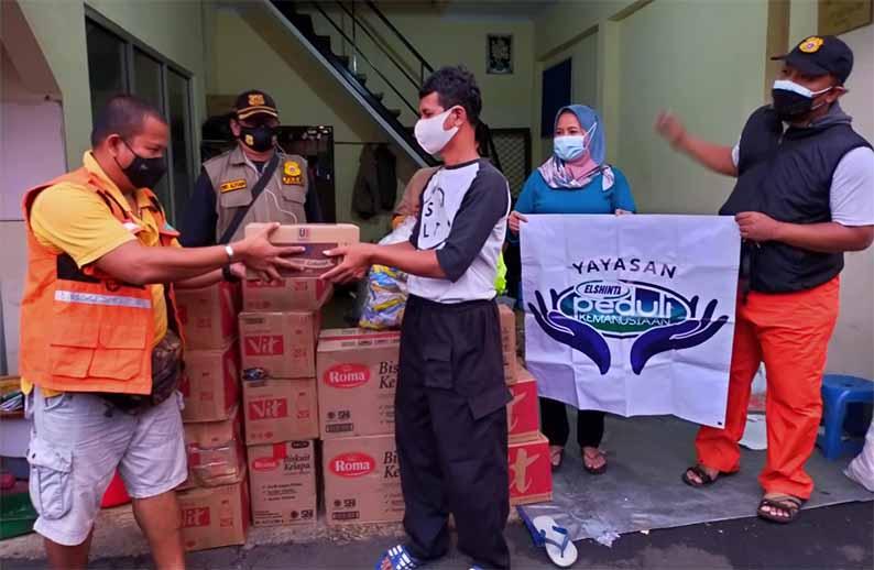 Elshinta Peduli salurkan bantuan dari para pendengar Elshinta Radio untuk korban banjir Jakarta